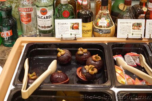 千疋屋総本店の世界のフルーツ食べ放題のマンゴスチン