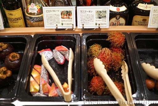 千疋屋総本店の世界のフルーツ食べ放題のドラゴンフルーツ
