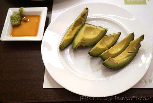 千疋屋総本店の世界のフルーツ食べ放題のアボカド